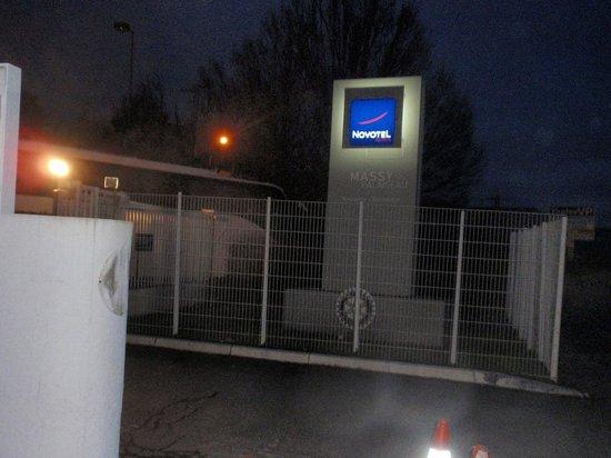 Novotel Massy Palaiseau : Hotel Entrance