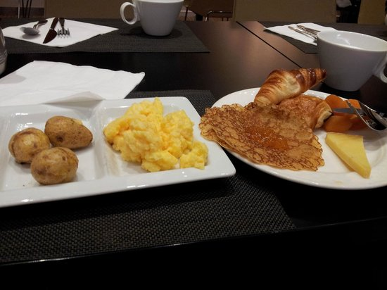 Novotel Massy Palaiseau: Breakfast