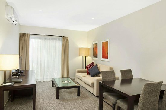 Quest Maitland: One Bedroom - Lounge Room