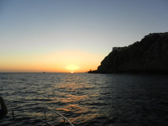Rissalena Cruises : Sunset in Cabos