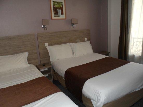 Cosmo's Hotel: Triple room