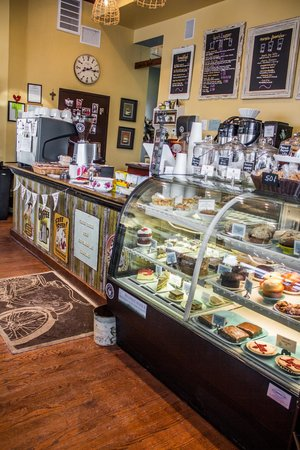 Mama D's Coffee: Lots to offer