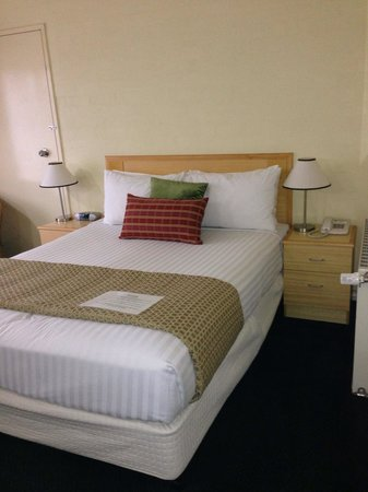 Best Western Grand Country Lodge : The bedroom