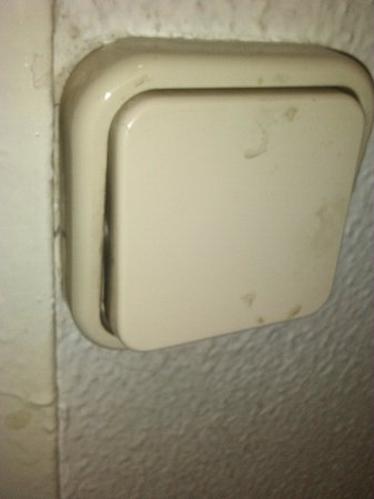 Hostal Canaletas: interruptor de la luz