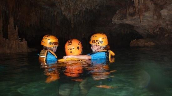 Xplor Park: nado en rio subterraneo