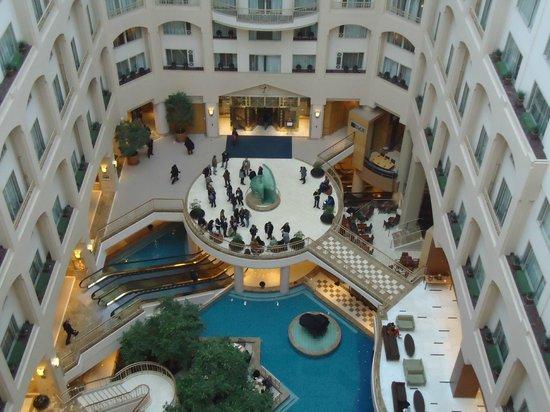 Grand Hyatt Washington: vista interna del lobby
