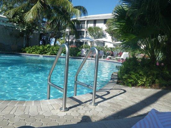 Ocean Club West: Pool area