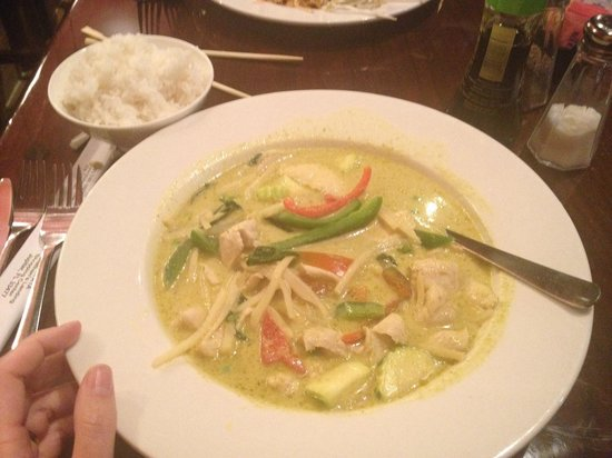 Koon Manee Thai & Sushi Restaurant: Green curry - fabulous!! A dish I will crave and have to come back to get my fix!!