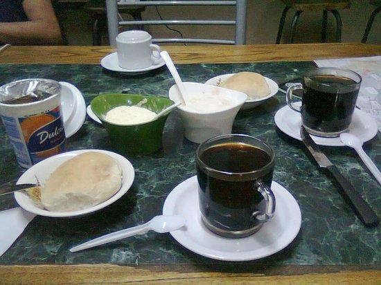 Hostel Simplemente Mendoza : Desayuno