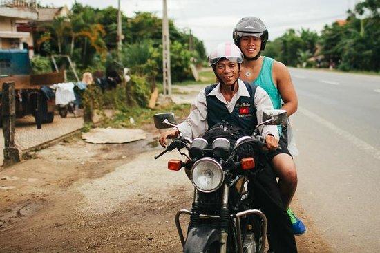 Hue Riders : Motorbike driver