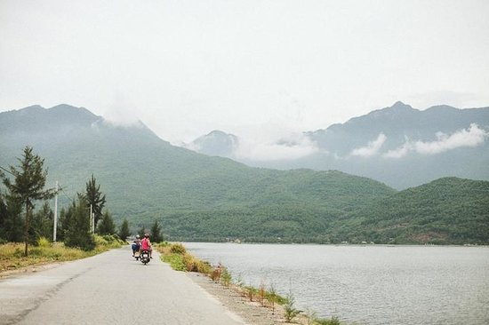 Hue Riders : Scenery on the road