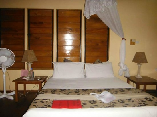 Club Fiji Resort: bedroom