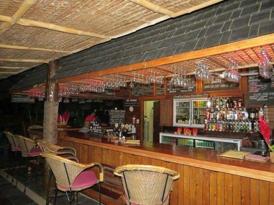 Club Fiji Resort: bar in the main area