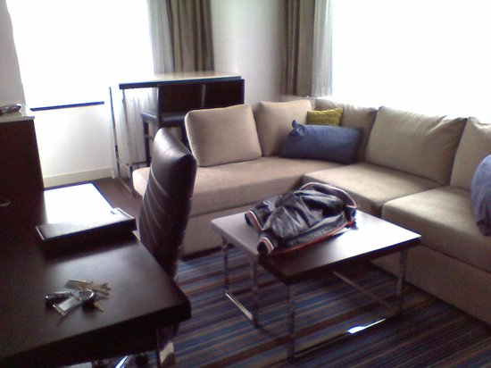 The Hollis Halifax - a DoubleTree Suites by Hilton : beautiful suite