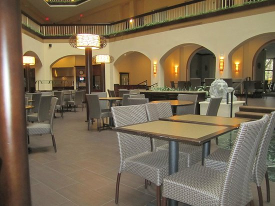 Embassy Suites by Hilton Dallas Love Field: Restaurant area