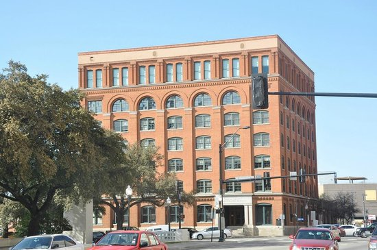 The Sixth Floor Museum/Texas School Book Depository: The Sixth Floor Musuem