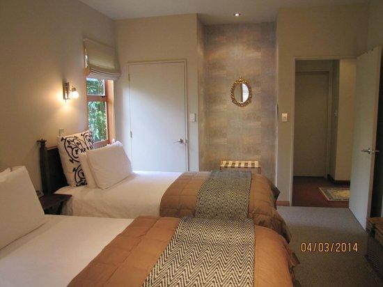 Glendeer Lodge: Comfortable Twin Share Room