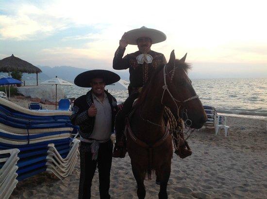 Friendly Vallarta Resort: Mexican night on the beach. Great fun.