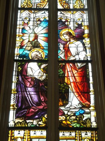 Catedral de San Juan Bautista: stained glass window