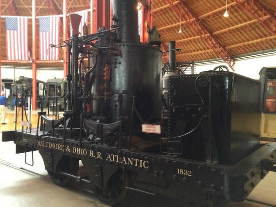 B&O Railroad Museum : Early engine