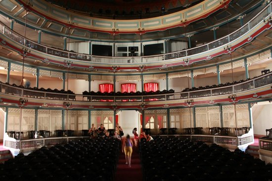 Teatro La Caridad: Beautiful restored theatre