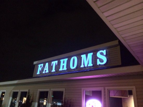 Fathoms Bar and Grille : Sign outside