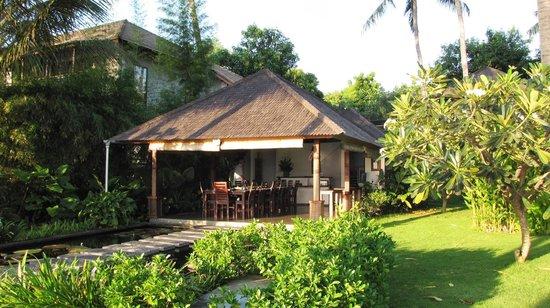 Villa Markisa Dive Resort : Dining Area