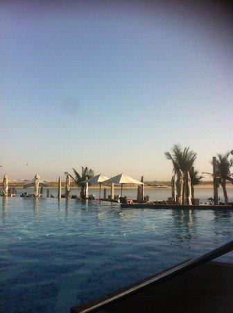 Jumeirah at Etihad Towers: pool