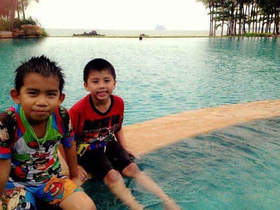 Phulay Bay, a Ritz-Carlton Reserve: สระว่ายน้ำสวยมากครับ