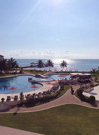 Grand Caribe Belize Resort and Condominiums : View from the third floor