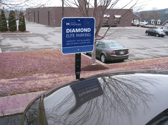 Hampton Inn Lenoir City Diamond Elite Parking In The Front Of Hotel