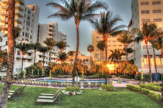 Holiday Inn Miami Beach: Holiday Inn Pool