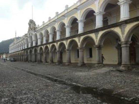 Palacio de los Capitanes Generales: The facade of el Palacio