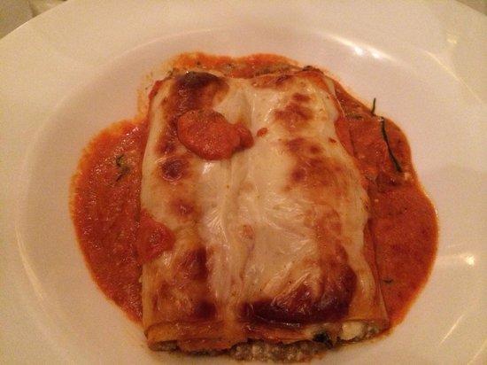 Carmelo's Ristorante Italiano: Cannelloni!!!