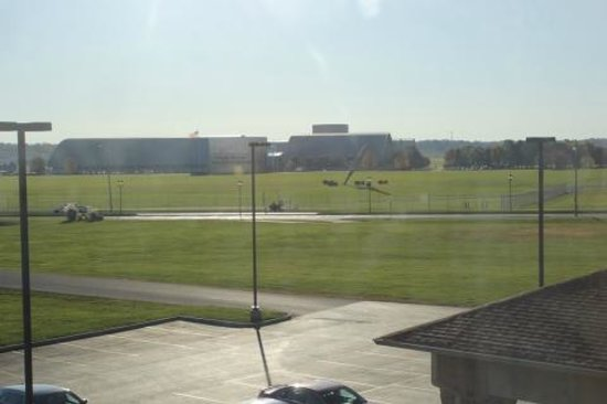 Comfort Suites Dayton: Looking at the National Air Force Museum from room # 325