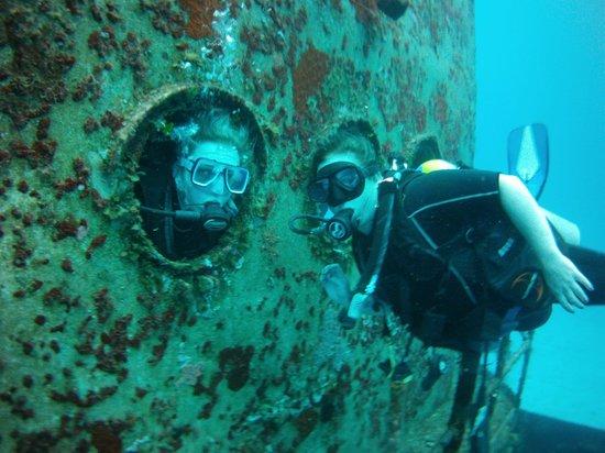 NIrvana Diving School: SHIPWRECK
