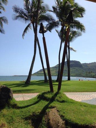 Duke's Kauai : View from barefoot bar