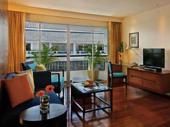 Swissotel Resort Phuket Patong Beach : One Bedroom Suites - Living Room