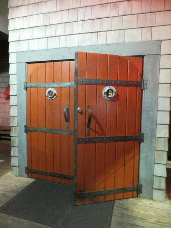 Uncle Bubbau0027s Oyster House Cool front doors & Cool front doors - Picture of Uncle Bubbau0027s Oyster House Savannah ...