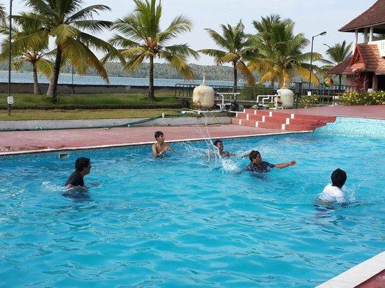 Aquasserenne: Swimming Suite