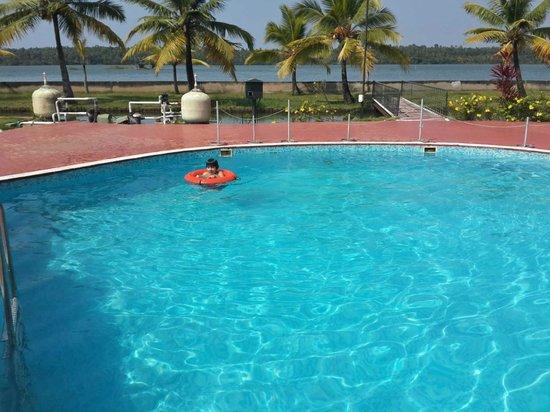 Aquasserenne: Swimming pool