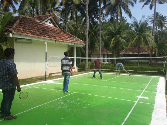 Aquasserenne: Badminton court