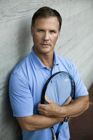 Dial Jones Tennis: Dial Jones