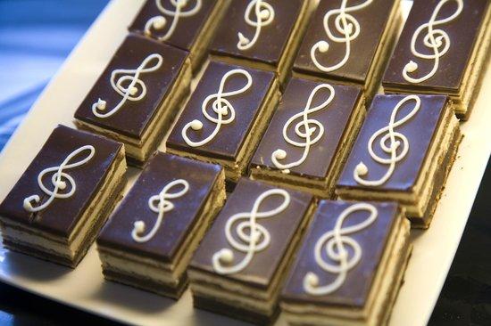 Le Bon Delice French Patisserie: Opera