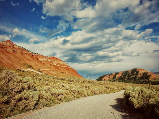 Red Rock Ranch: driving up the Gros Ventre to the ranch...