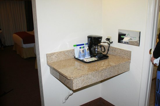 Holiday Inn Express El Paso - Central: cleaned and organized coffee and tea area