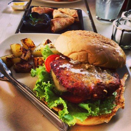 Drunken Sailors: Green curry chicken burger and samosa . Deliish!