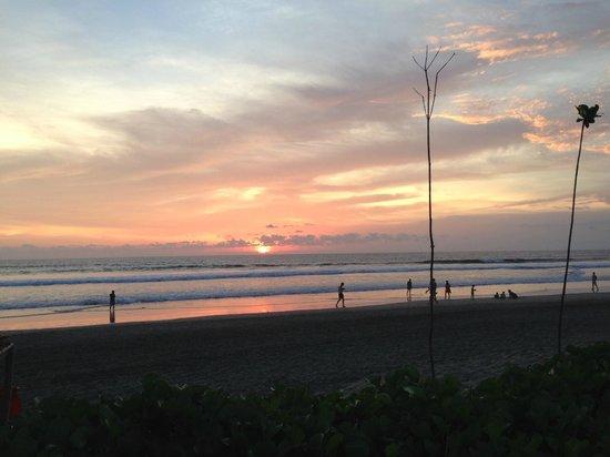 The Royal Beach Seminyak Bali - MGallery Collection : Beautiful sunset from the Royal Beach Seminyak Hotel
