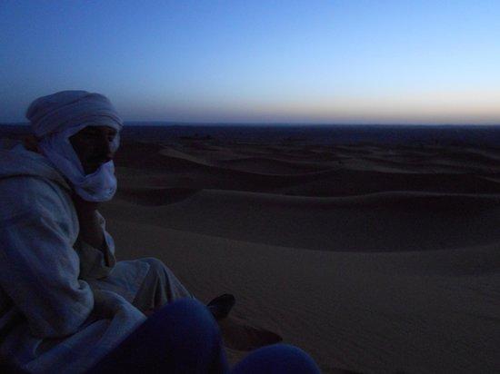 Moroccan Sahara : 朝日待ち