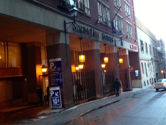 SpringHill Suites by Marriott Old Montreal: Hotel Front